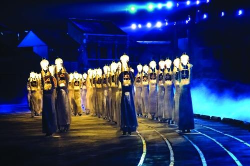 Sân khấu Việt chuyển mình với công nghệ kỹ thuật