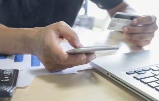 Hỗ trợ giảm cước SMS: Ngân hàng vẫn… chờ