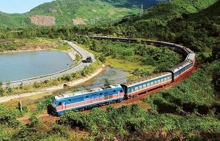 Đường sắt chạy lại đôi tàu khách Thống nhất SE3/SE4