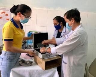 PNJ trao tặng thiết bị y tế tại Quảng Nam và Quảng Trị