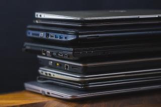 Mua laptop cũ để học online cần lưu ý gì