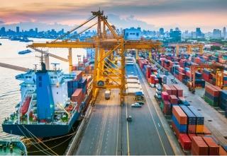 Standard Chartered hạ dự báo tăng trưởng của Việt Nam năm 2021 xuống 4,7%