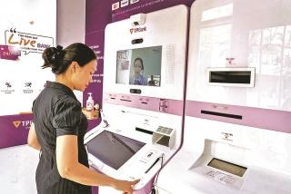 Cần cơ chế chia sẻ phí thẻ quốc tế phù hợp