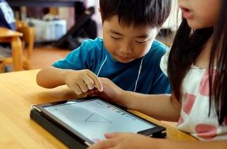 Chọn máy tính bảng để học online thế nào