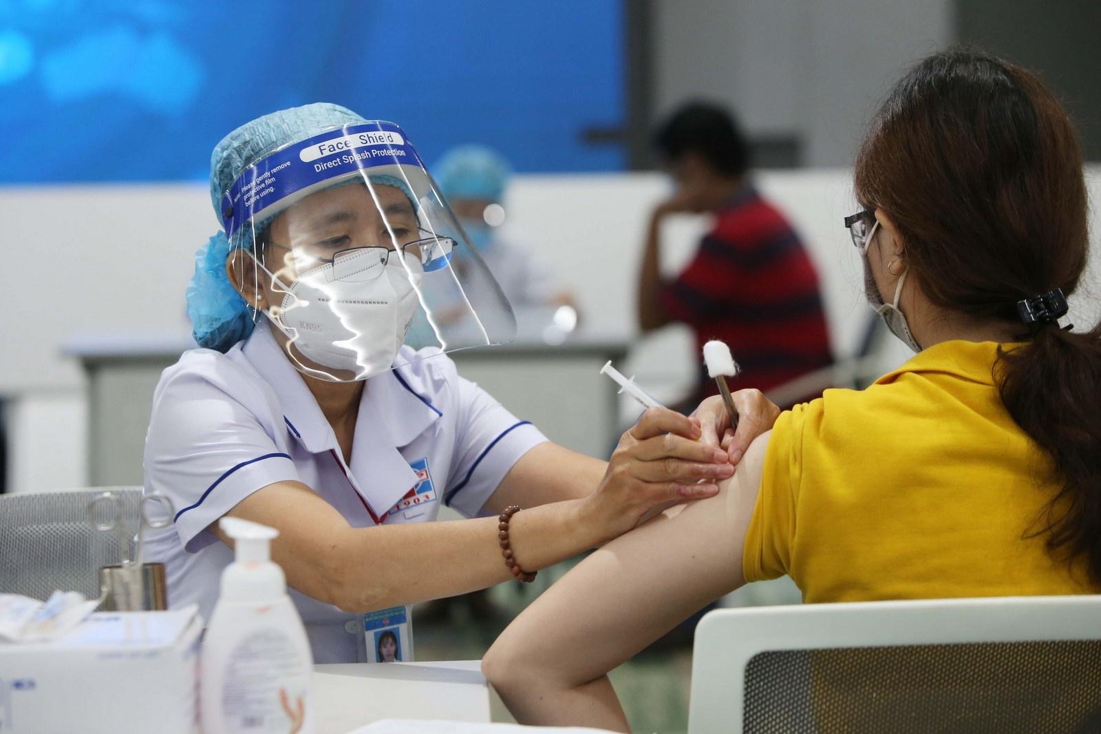 khong duoc tu choi tiem mui 2 vaccine cho nguoi da tiem o dia phuong khac