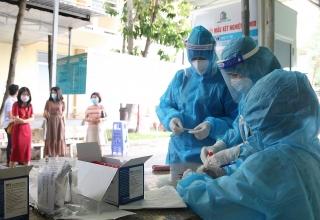 TP.HCM: Tiếp tục lấy mẫu xét nghiệm để kiểm soát dịch COVID-19