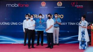 MobiFone trao tặng hơn 200.000 tài khoản học tập và truy cập Internet cho học sinh nghèo