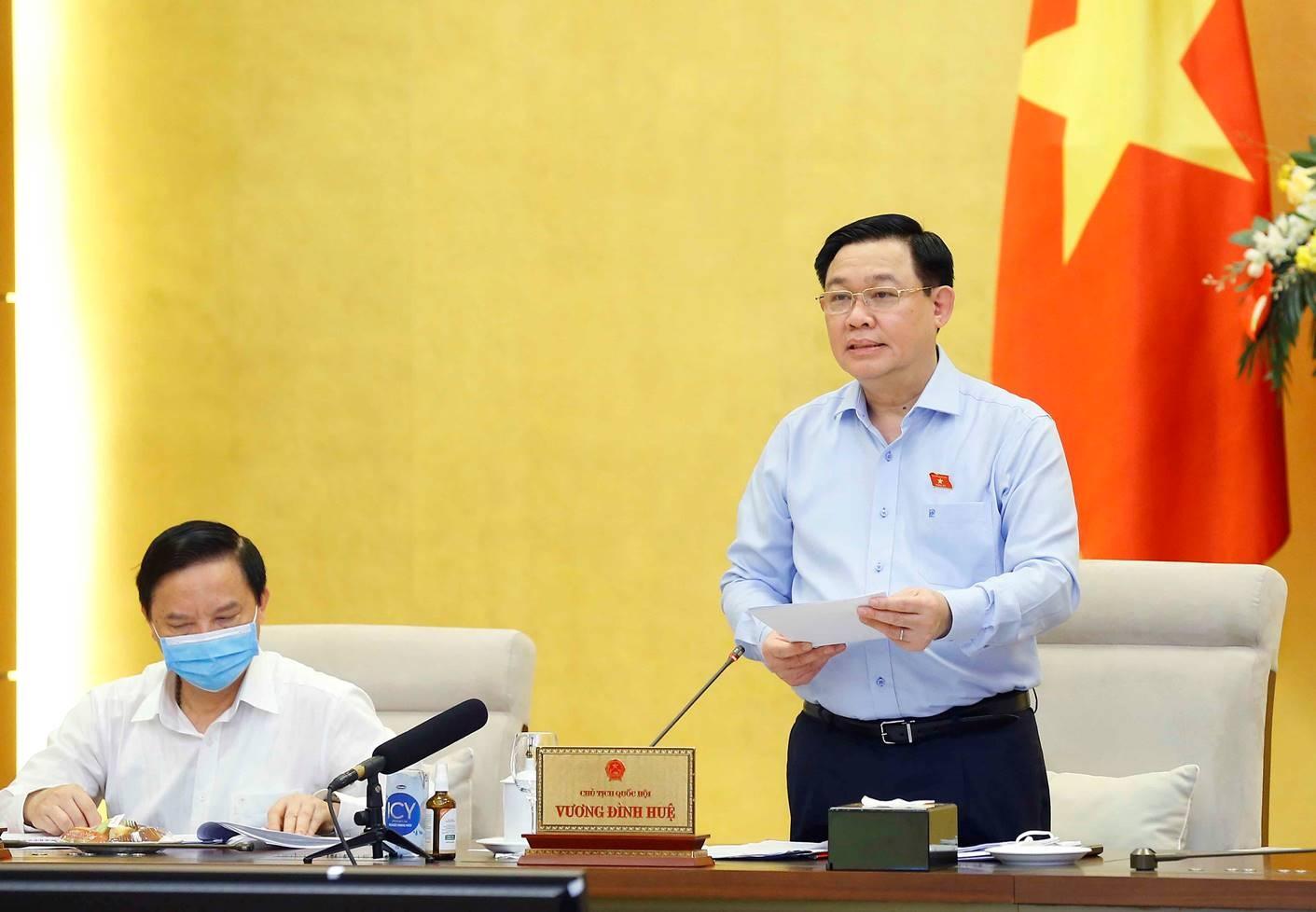 Ủy ban Thường vụ Quốc hội đồng ý dùng 30.000 tỷ đồng hỗ trợ người lao động