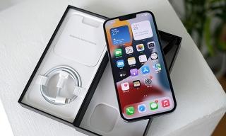 iPhone 13 xách tay giảm giá gần 10 triệu đồng