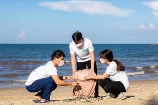 Huda góp sức làm đẹp biển tại Hà Tĩnh và Quảng Nam