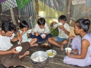 Nâng cao khả năng tiếp cận dịch vụ của người nghèo