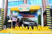 Nam A Bank trao xe cho khách hàng