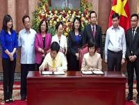 Generali Việt Nam ký cam kết tài trợ gần 500 triệu đồng cho học sinh nghèo