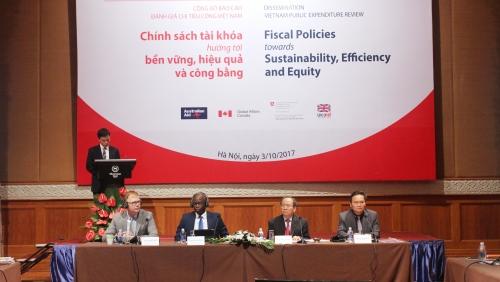 Để tài khóa bền vững mà không ảnh hưởng tới tăng trưởng kinh tế