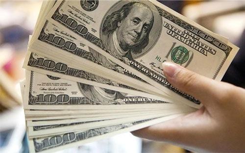 Tỷ giá trung tâm và giá USD ngân hàng đều ổn định