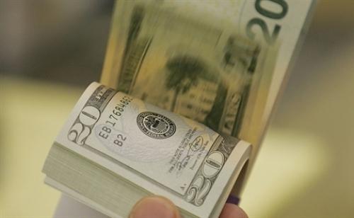 Tỷ giá trung tâm tăng mạnh, giá USD ngân hàng duy trì trạng thái ổn định
