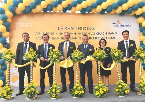 Sun Life Việt Nam khai trương 5 văn phòng kinh doanh