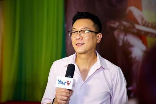 """Trí Nguyễn mang """"Chuyện Lãng Du"""" đến Việt Nam"""