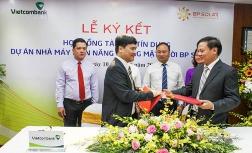 Vietcombank ký Hợp đồng tín dụng Dự án Nhà máy điện mặt trời BP Solar1