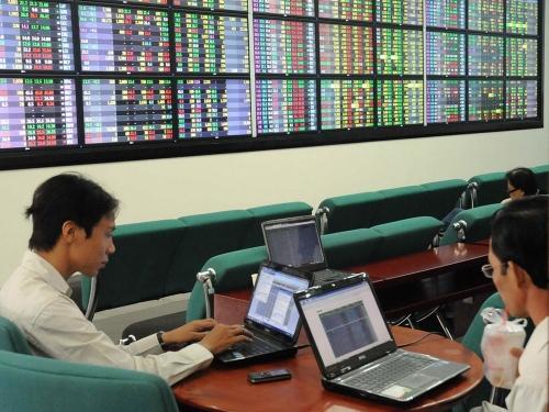 Thị trường chứng khoán: Làm gì để công bằng, hiệu quả