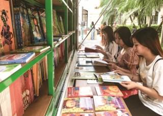 Xã hội hóa hoạt động thư viện