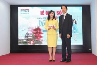 Kienlongbank trao giải cho các khách hàng may mắn trúng thưởng du lịch Nhật Bản