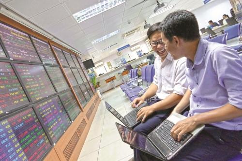 VN-Index sẽ đóng cửa trên 1.000 điểm vào cuối năm