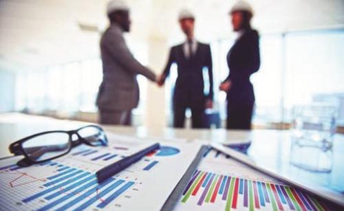 Hoàn thiện pháp luật để thu hút nhà đầu tư lớn