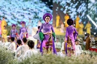 TP.HCM quảng bá hình ảnh qua lễ hội áo dài