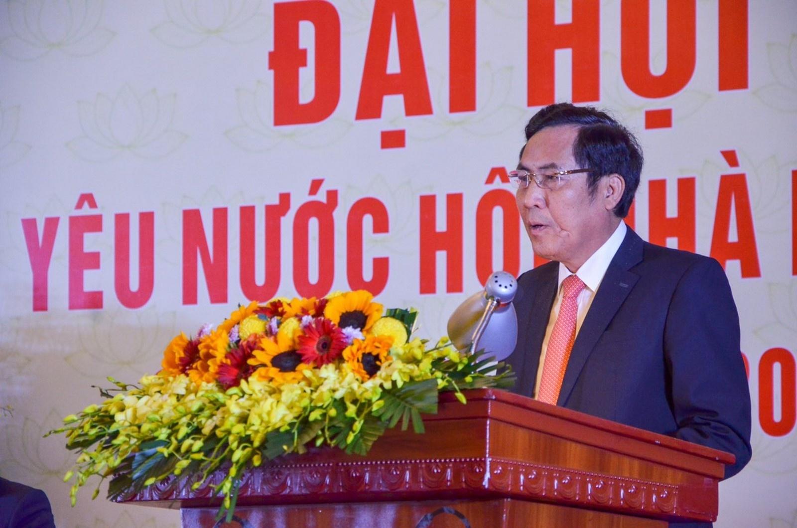 nguoi lam bao neu cao tinh than dan than san sang cong hien