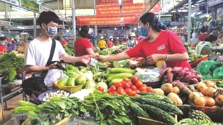 Mở cửa chợ truyền thống sẽ kéo giảm giá thực phẩm