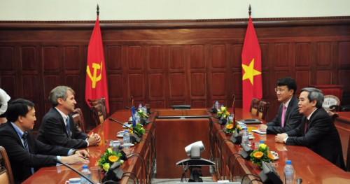 IFC mong muốn đẩy mạnh cấp vốn cho các NHTMCP Việt Nam