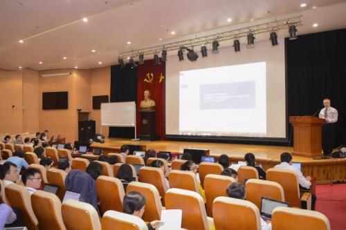 Khai giảng Khóa tập huấn về Quy trình đánh giá mức đủ vốn nội bộ và Stress Testing