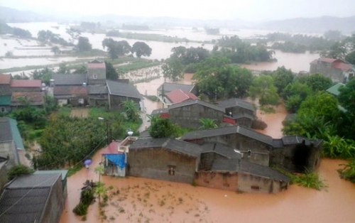 Agribank hỗ trợ khách hàng khắc phục hậu quả thiệt hại do bão số 12