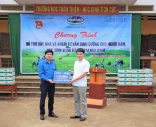 Vinamilk trao 3 tỷ đồng cho người dân 3 tỉnh Yên Bái, Hòa Bình và Thanh Hóa