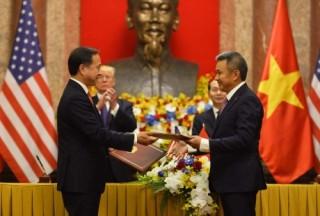 Vietnam Airlines ký kết mua và bảo dưỡng động cơ máy bay của Pratt Whitney