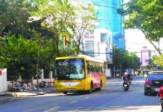 Báo động nạn xe buýt vi phạm luật