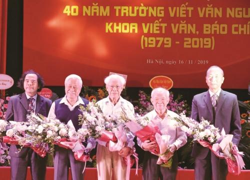 """""""Văn mạch"""" trường viết văn Nguyễn Du mãi chảy"""