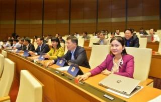 Quốc hội biểu quyết thông qua Bộ luật Lao động sửa đổi