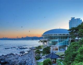 Chào đón du khách ASEAN tại Busan