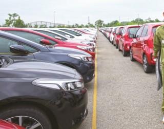 Doanh nghiệp ô tô tung hàng mới ra thị trường