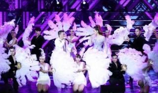 """""""Khi ta 25 – Live Concert"""" chạm đến trái tim khán giả"""