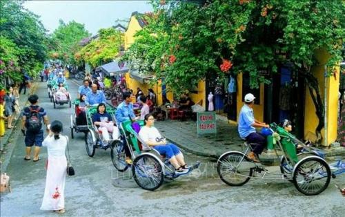 Tháng 11: Trên 1,8 triệu khách quốc tế đến Việt Nam, cao nhất từ trước đến nay