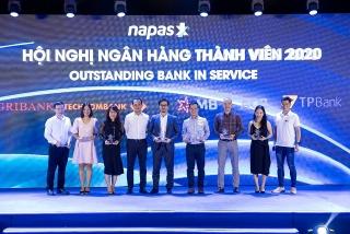 TPBank nhận 3 giải thưởng về thẻ nội địa do NAPAS trao tặng