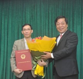 NHNN bổ nhiệm 2 Phó vụ trưởng Vụ Dự báo, thống kê