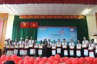 Kienlongbank: Trao 100 suất học bổng cho học sinh huyện Nhà Bè