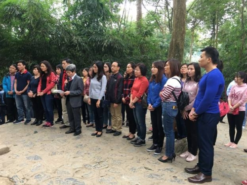 Đảng bộ bộ phận Văn phòng NHNN sinh hoạt chính trị ngoại khóa tại Tuyên Quang