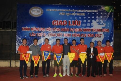 Công đoàn NHNN Trung ương: Thi đấu giao lưu tổng kết hoạt động CLB tennis