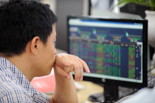Chứng khoán sáng 11/12: Nhiều CP vốn hóa lớn giảm giá