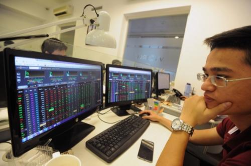 Chứng khoán sáng 14/12: CP ngân hàng dẫn dắt thị trường